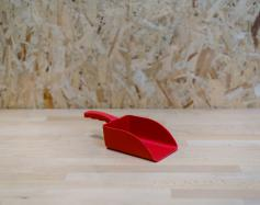 ONE PIECE PLASTIC SCOOP - RED