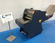 ex-display-new-unused-record-14mm-conveyor-feed-slicer-alb7950.jpg