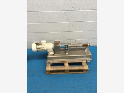 M0072551_STAINLESS_AUGER_PUMP_950.JPG