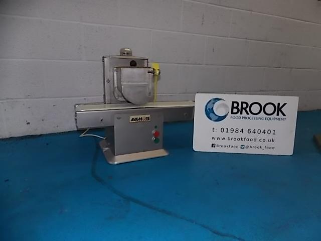 y086286-avimore-conveyor-bread-buttering-machine-alb1200.jpg